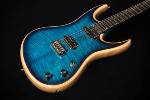 valentiguitars-hero-home3